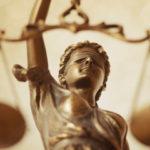 Η παραδοχή της κατ' εξακολούθηση παρανομίας, δε συνιστά μη παρανομία