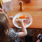 """07-02-19 Επέκταση του προγράμματος """"Σχολικά Γεύματα"""" σε 104 σχολικές μονάδες όλης της χώρας"""